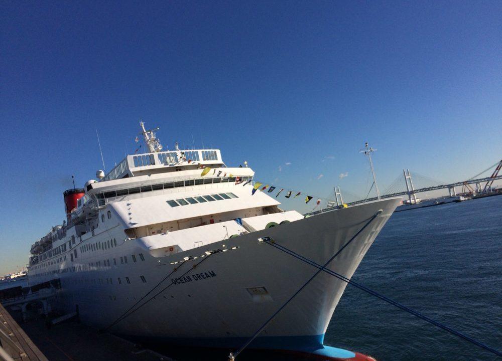 船、青い海、青い空